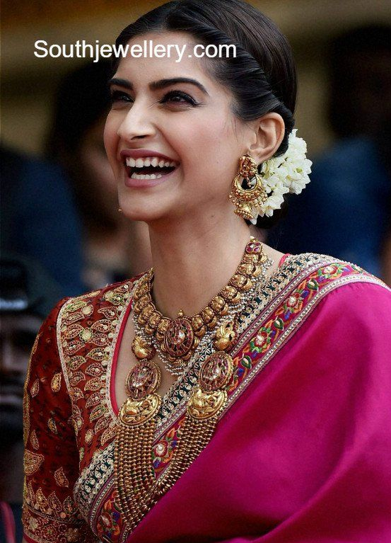 56f4cb961c Sonam Kapoor in Traditional Gold Jewellery photo | Blouse in 2019 ...