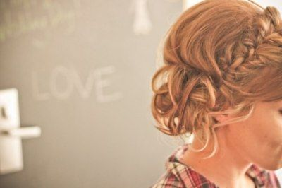 We have a Valentine's Night updo candidate.