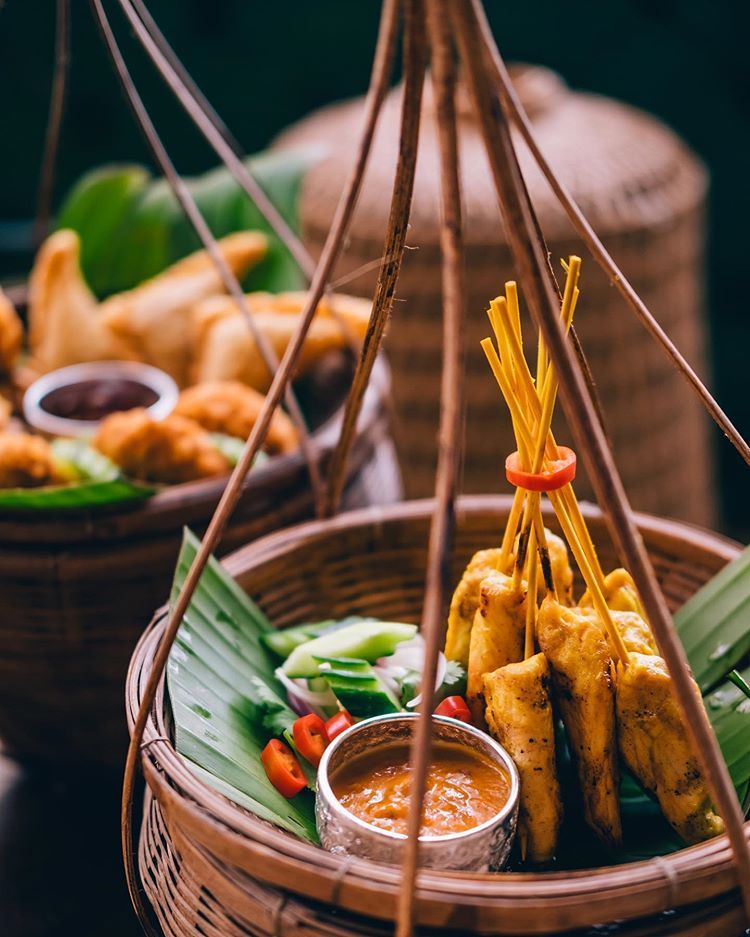 Come to Bo Larn and experience Thai food like never before