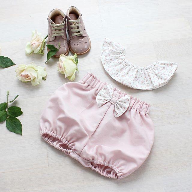En søt liten bestilling #bloomers #pyntekrage #håndsydd #sytilbarn #littleshabbyy #barneklær