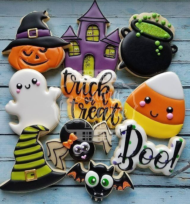 "433 mentions I like, 8 comments - Bobbi Barton (@bobbiscookies) on Instagram: ""@lauracoo... #halloweensugarcookies"