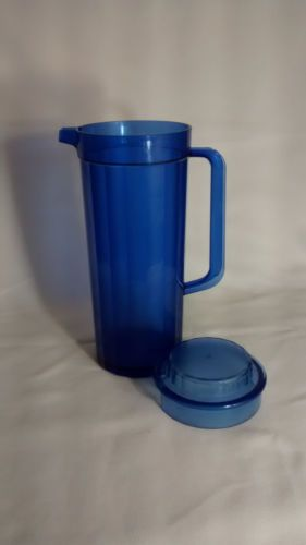 Tupperware Acrylic Pitcher 2 Quarts Blue