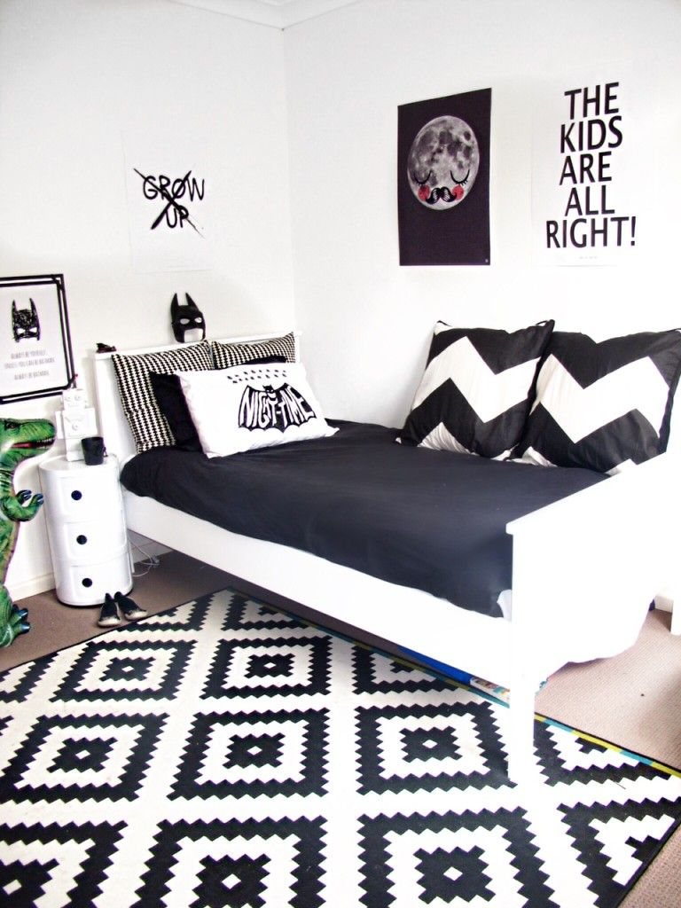 Love this black and white room minus the batman theme. Would make a great guest room.