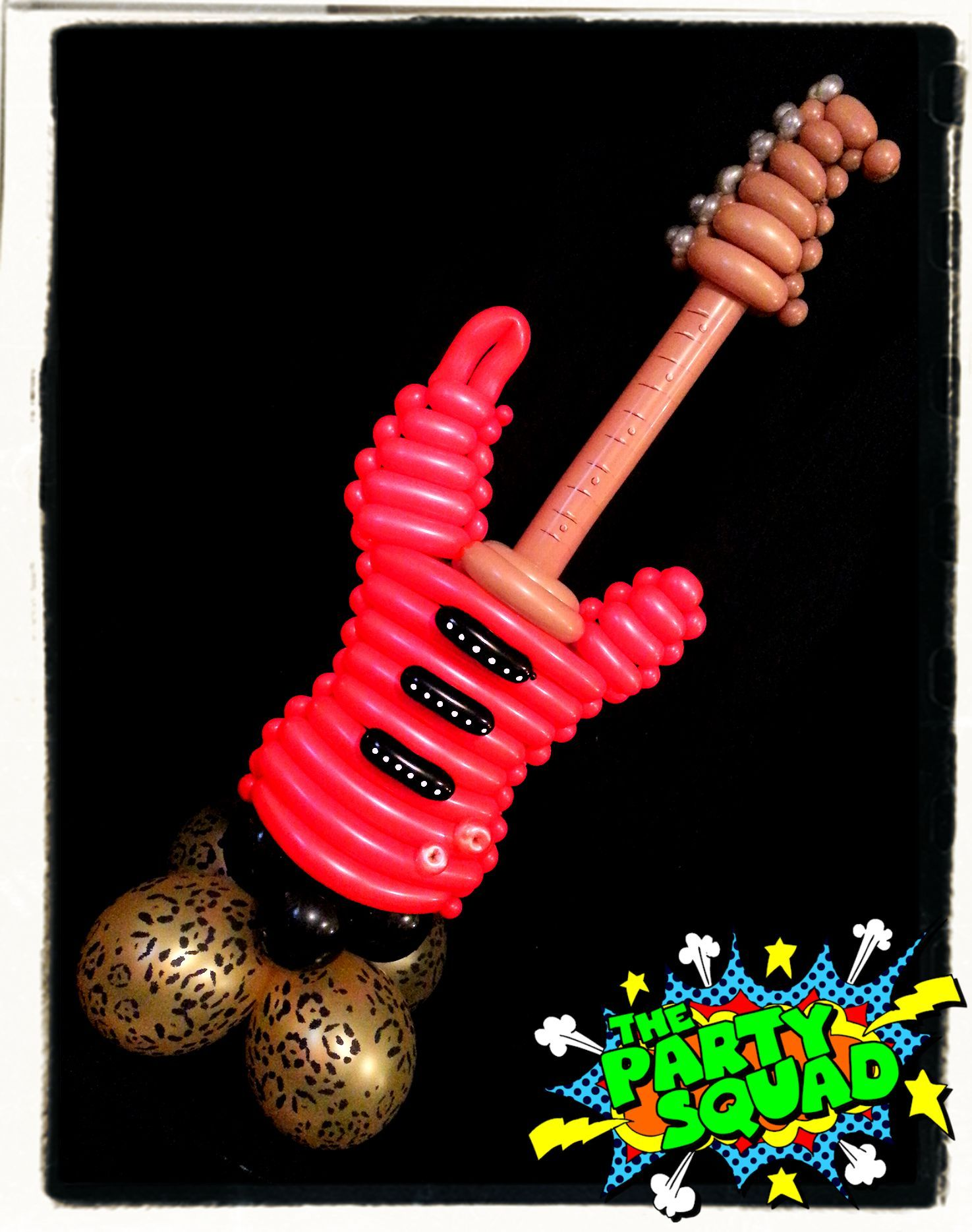 Electric Guitar Balloon! Twisted by Ditzy Doodles :) http://www.thepartysquad.co.uk/ http://www.facebook.com/ThePartySquadUK/