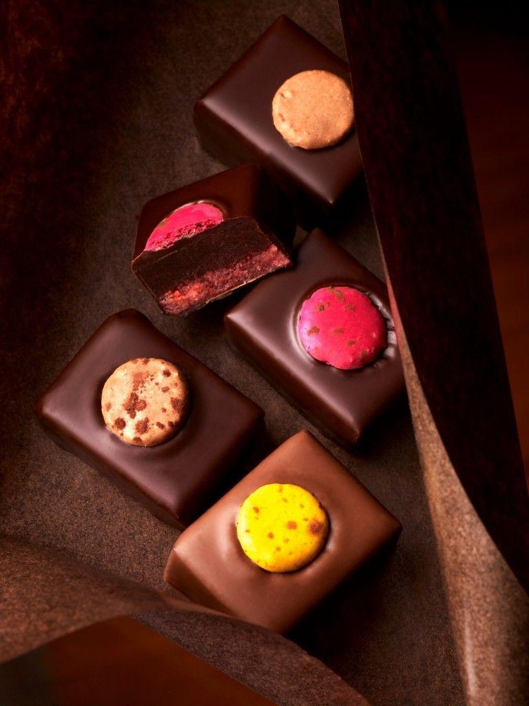 Chocolat Au Macaron By Pierre Herme Chocolate Shop Chocolate Delight Chocolatier