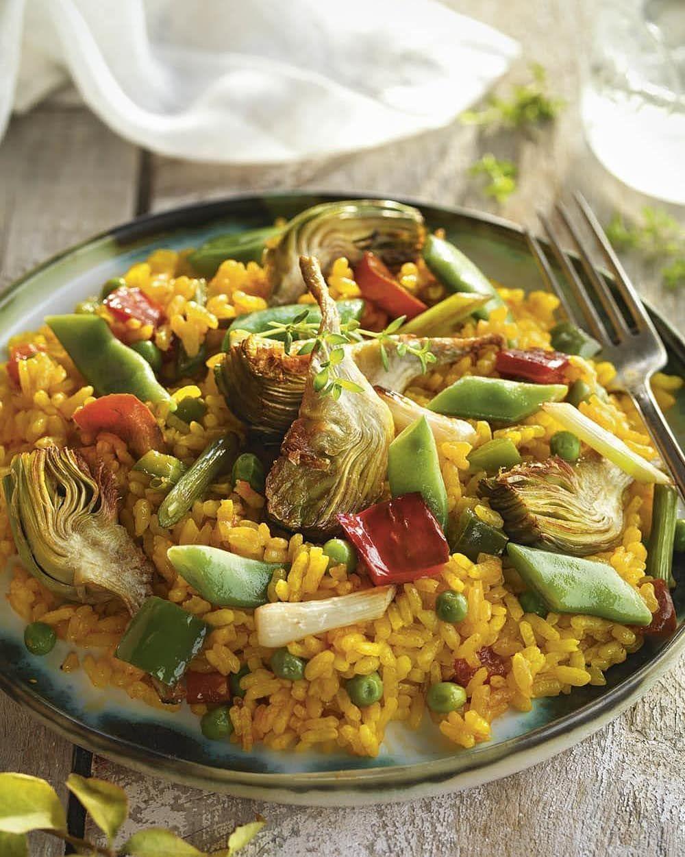 Arroz Con Verduras Y Alcachofas Calienta Aceite En Una Paella Agregapimiento By Recetasrapidas3 Healthy Vegetarian Food Comida Fitness