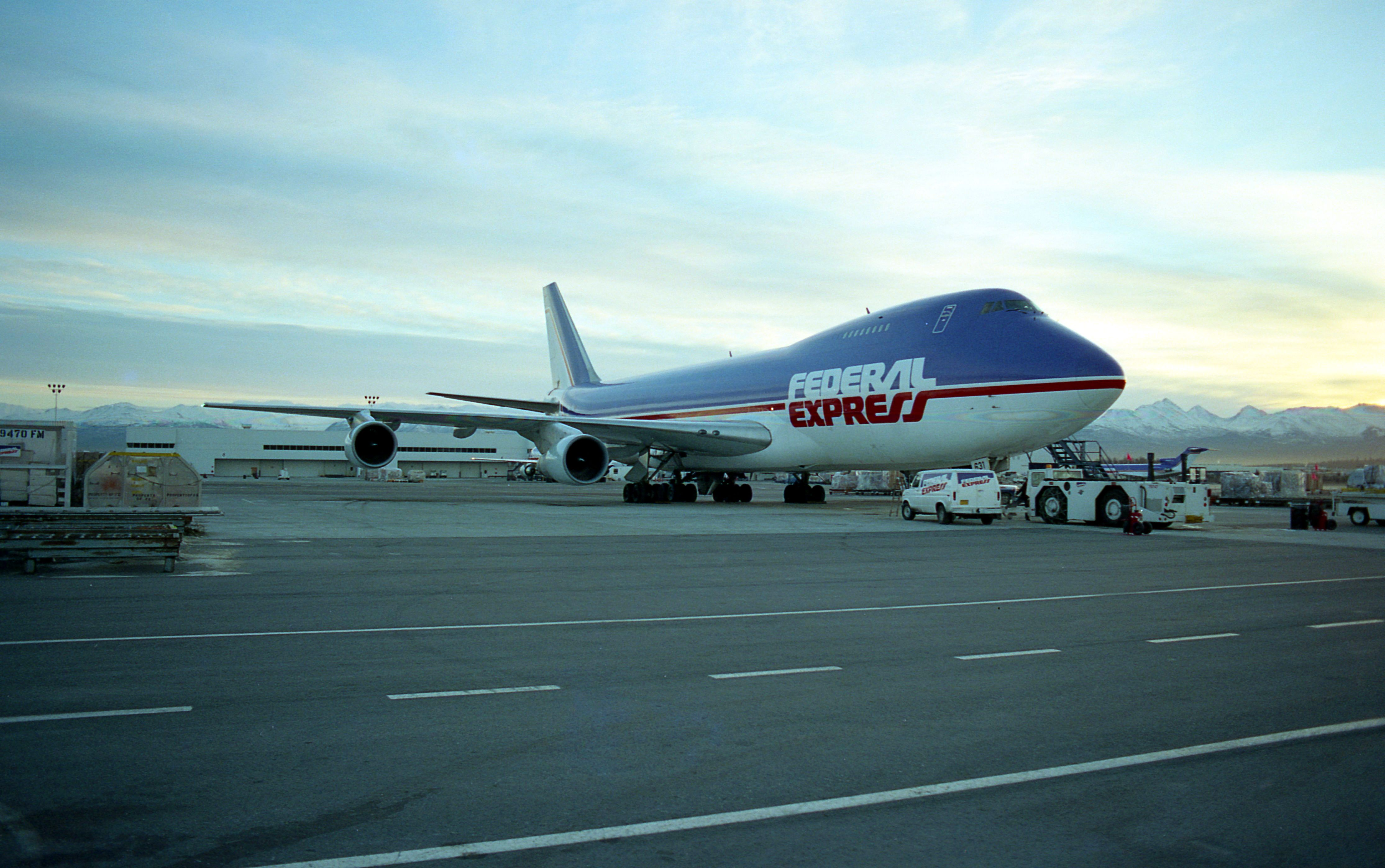 Throwback to the early 1990s, a Boeing 747 on the ramp at