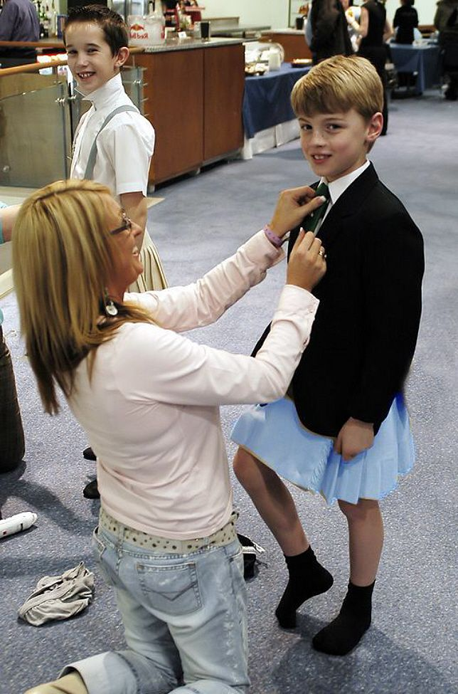 Boys Wearing Dresses To School Mom! I can dres...