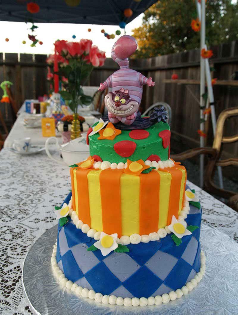 disney unique wedding cakes | Wedding Cakes Pictures: Alice in ...