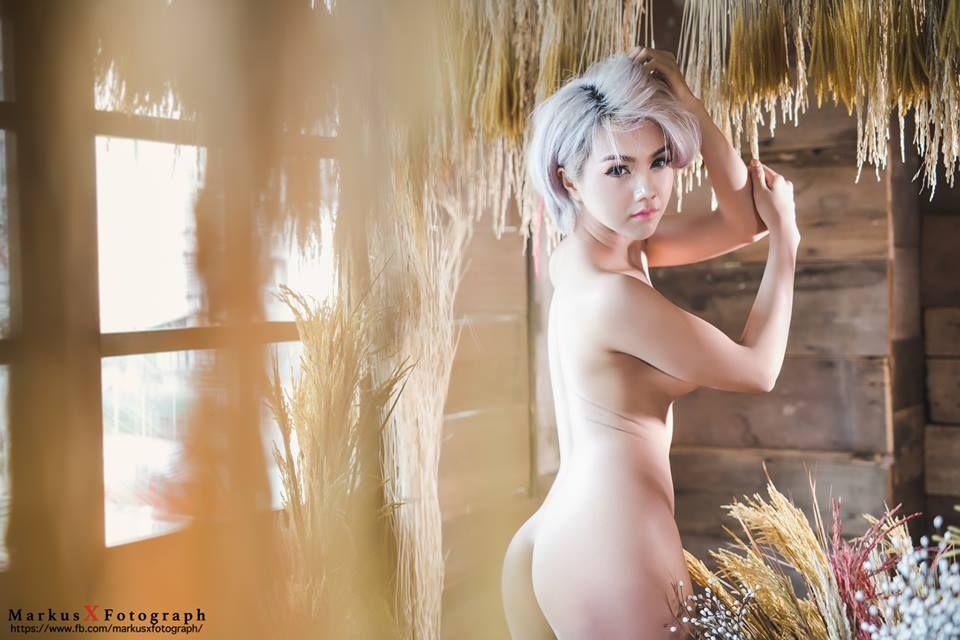 Deja vu nude girls