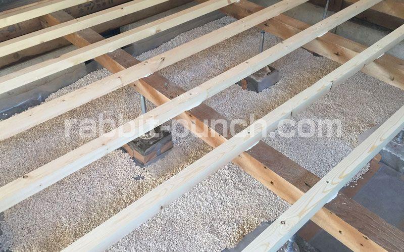 初めての根太張りに挑戦 床下地の強度を考えてdiyする 床 張り替え Diy 床 張り替え 根太