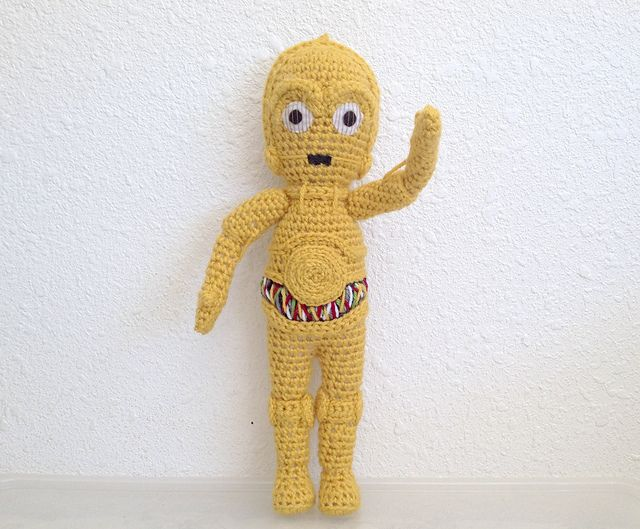 Crocheted c3po!!! http://www.ravelry.com/projects/Telshira/c3po ...