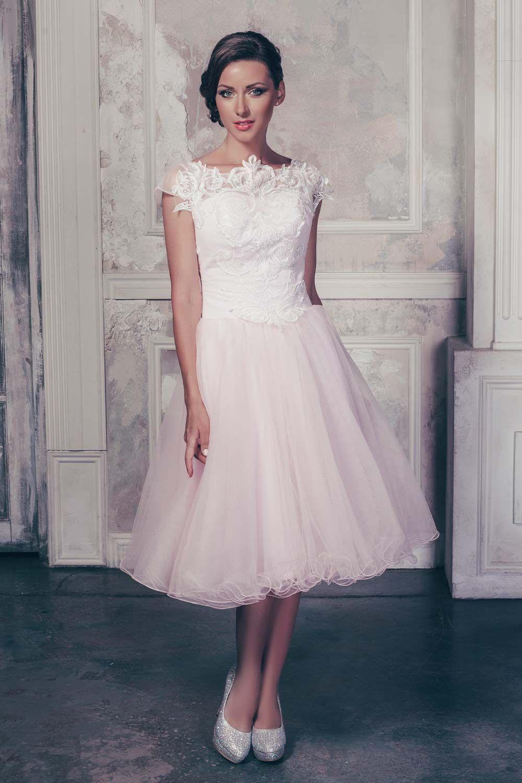 Exquisite Short Wedding Dresses For The Big Day Short Wedding Dress Trendy Wedding Dresses Short Wedding Gowns [ 1500 x 1000 Pixel ]