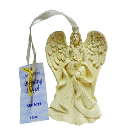 http://www.maniasemanias.com/produto/anjo-da-bencao-serenidade - ANJO DA BENÇÃO – SERENIDADE - Fabricados em pedra pó, são inspiradores para todas as pessoas. São Anjos elegantes com acabamento perfeito de ambos os lados, são acompanhados por uma fita para pendurar e que proporcionam prendas para qualquer ocasião. - Medidas: 8,5 cm