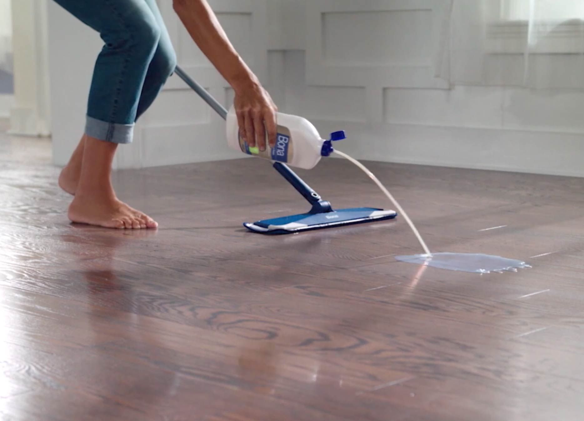 How To Clean Hardwood Floors Bona Us Clean Hardwood Floors Hardwood Floors Cleaning Wooden Floors