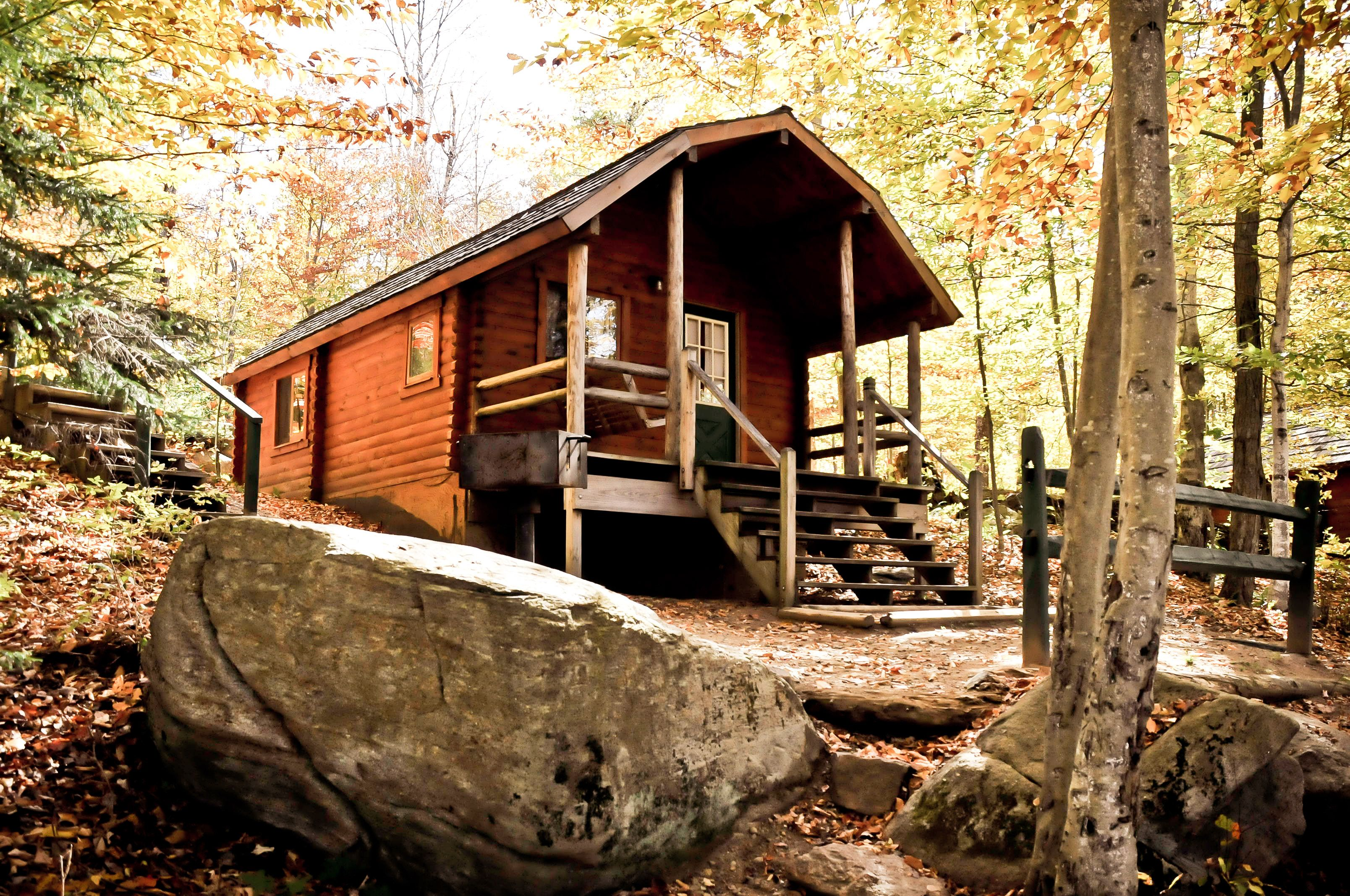 Bring Your Family To The Old Forge Camping Resort And Stay In One Of Our Cottages Equip With A Kitchenette Bathro Camping Resort Old Forge Camping Old Forge