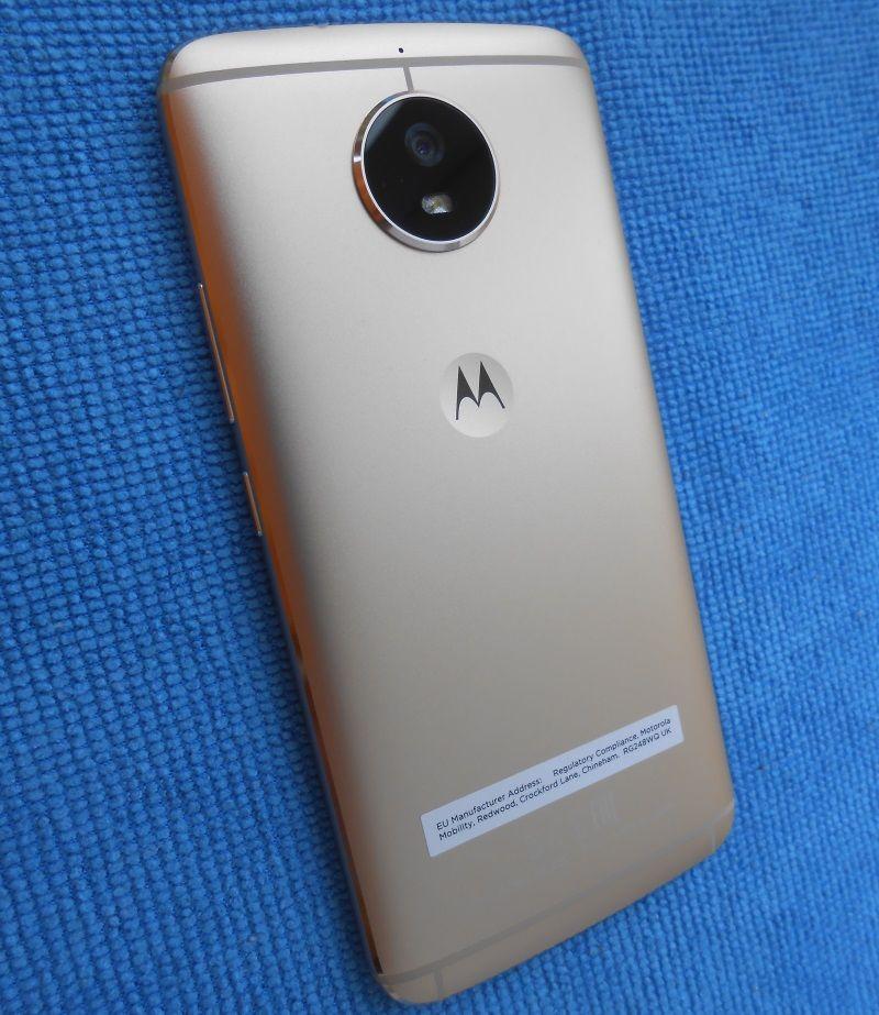 Motorola Moto G5s Review Specificatii Bune Pret Usor Piperat