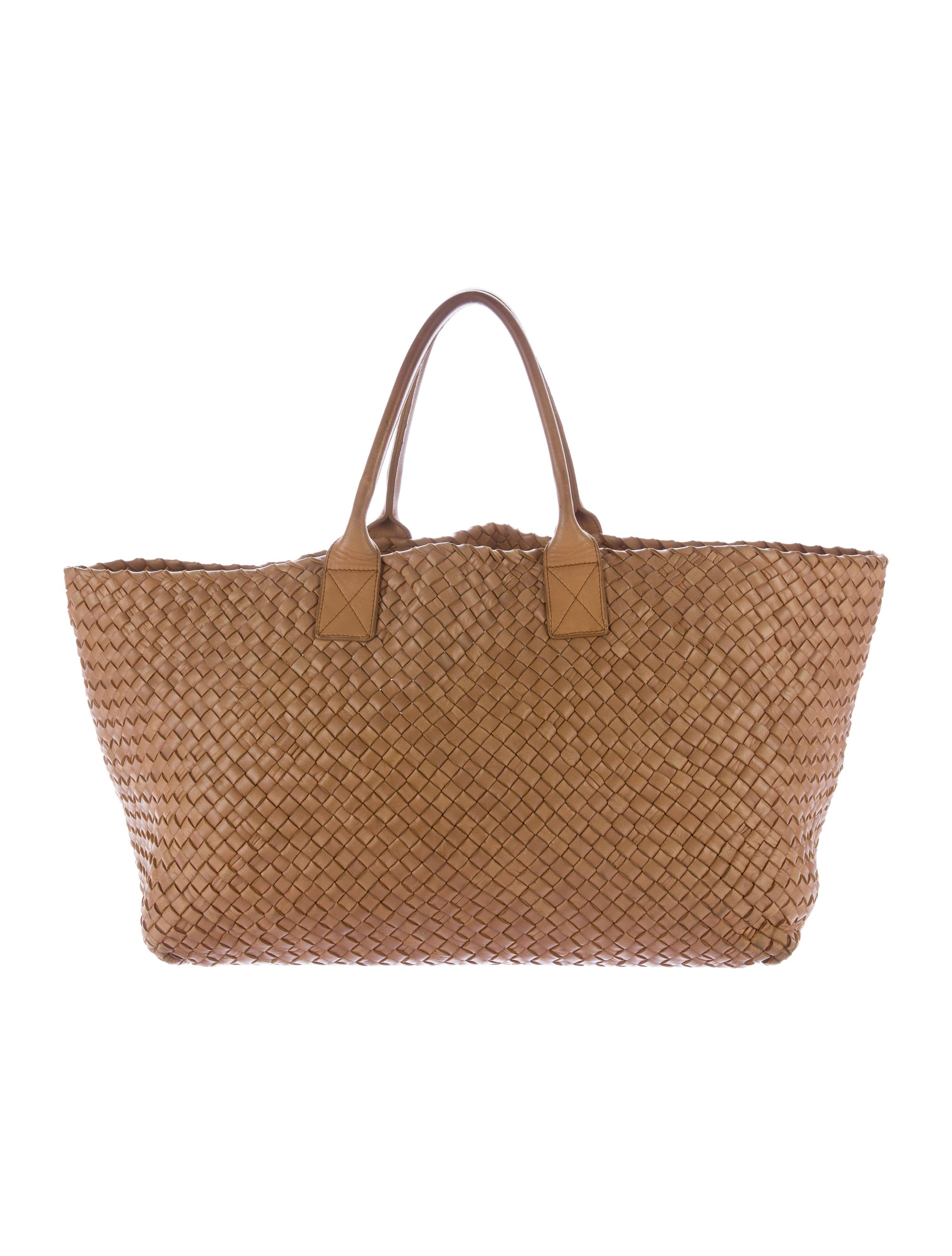 Shop Bottega Veneta new and pre-owned handbags at The RealReal. Limited  Edition. Brown Intrecciato leather Bottega Veneta Large Cabat ... b0552d40325f9