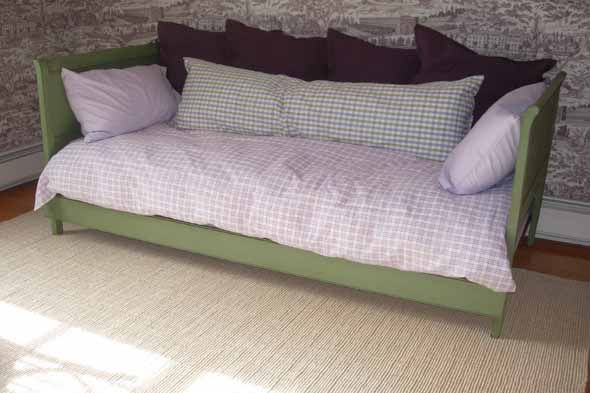 Another Great Way Of Re Purposing She Used Old Twin Headboards Found At
