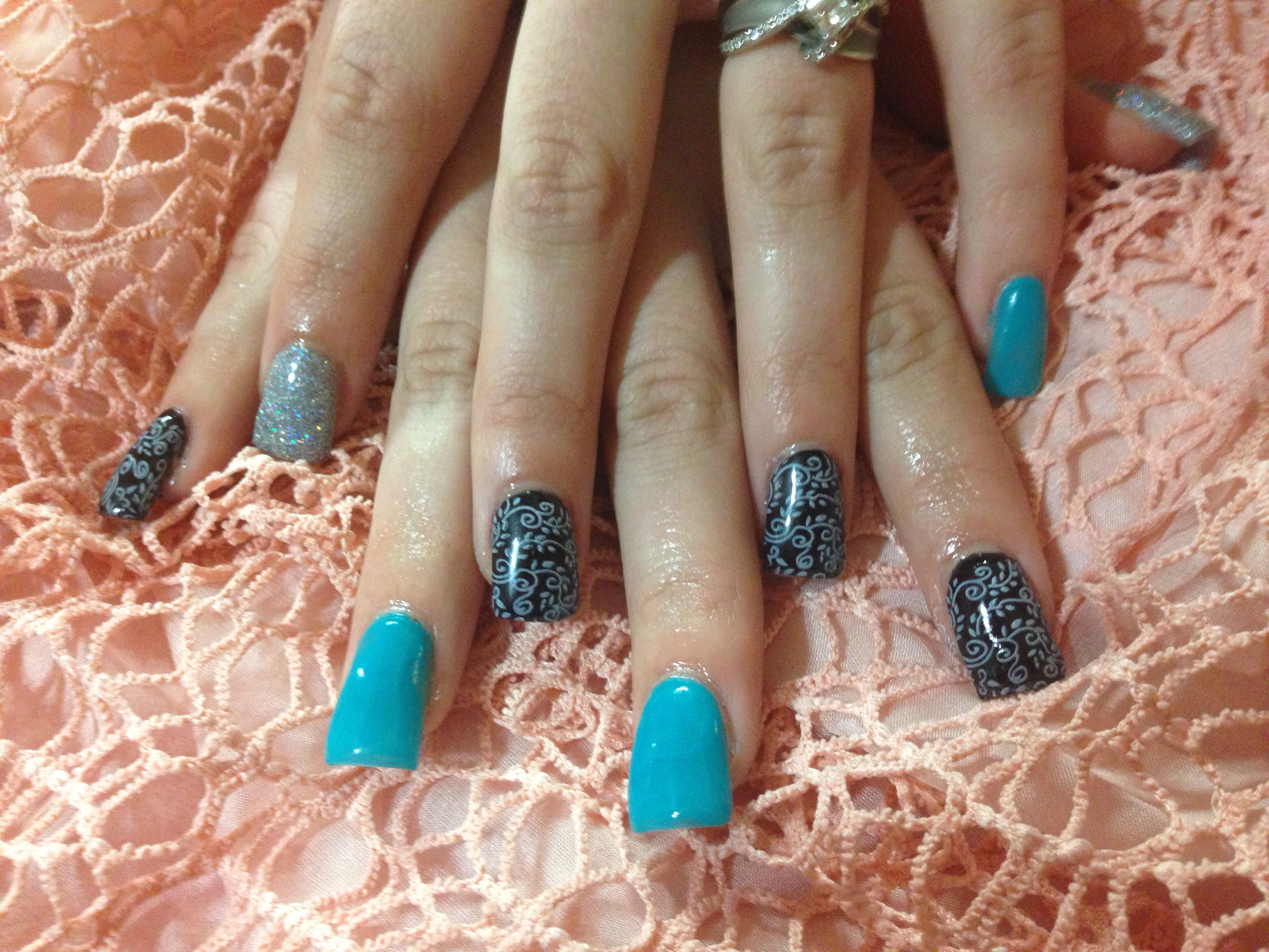 Black and blue solid acrylic nails by janae paskett logan