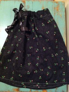 Serger Pillowcase Dress Tutorial: Simply Spooky Pillowcase Dress Tutorial (Serger)   Pillowcase    ,