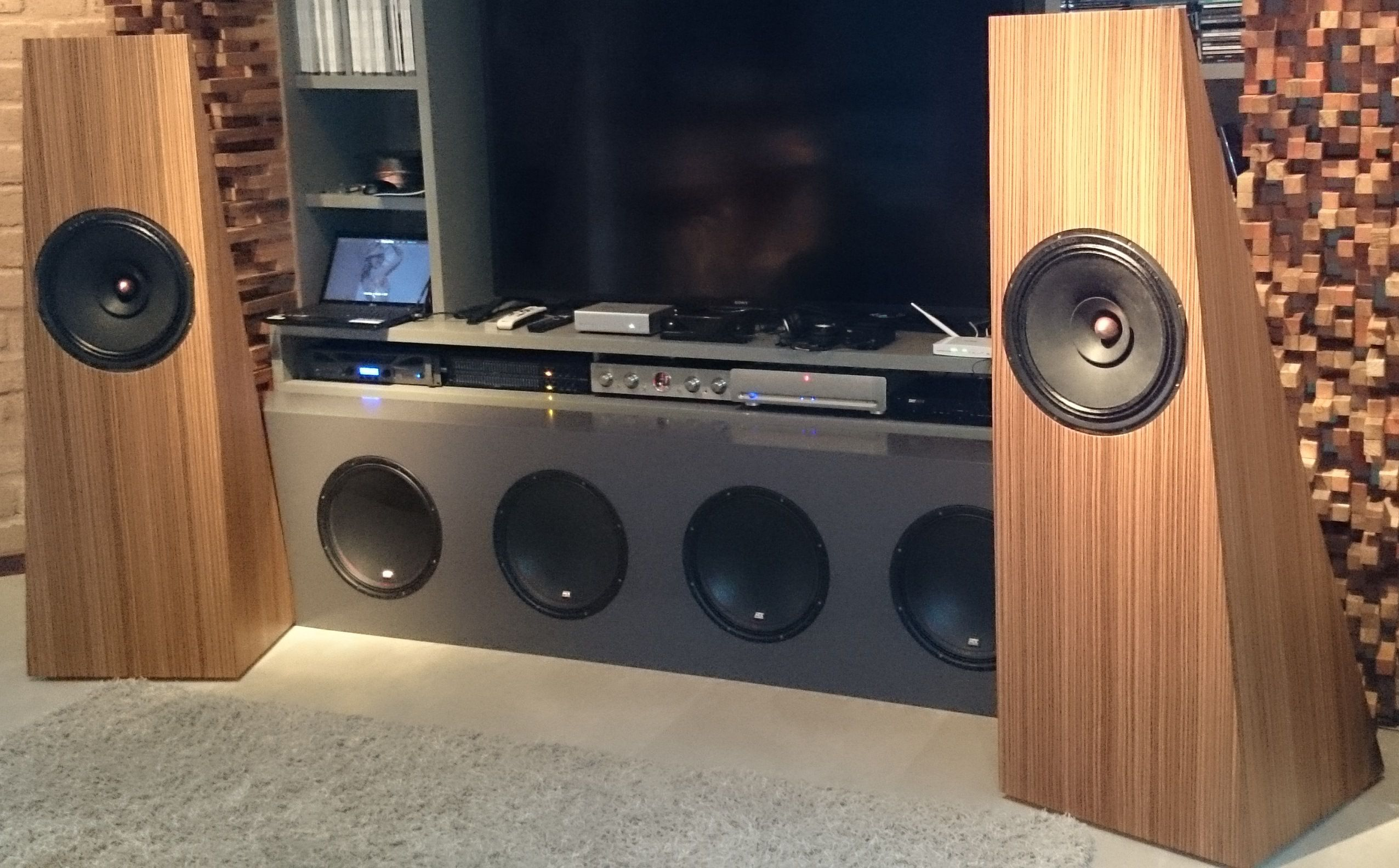 Audio Nirvana open baffle full-range speakers--the world's