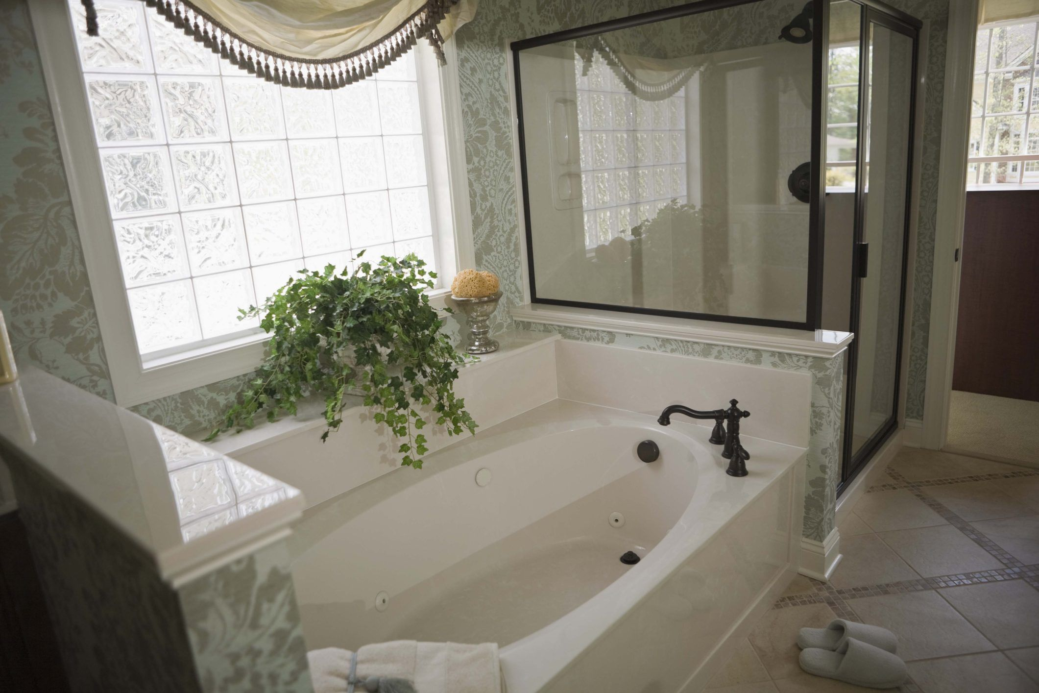How To Remove Hardwater Stains From Fiberglass Tubs Fiberglass