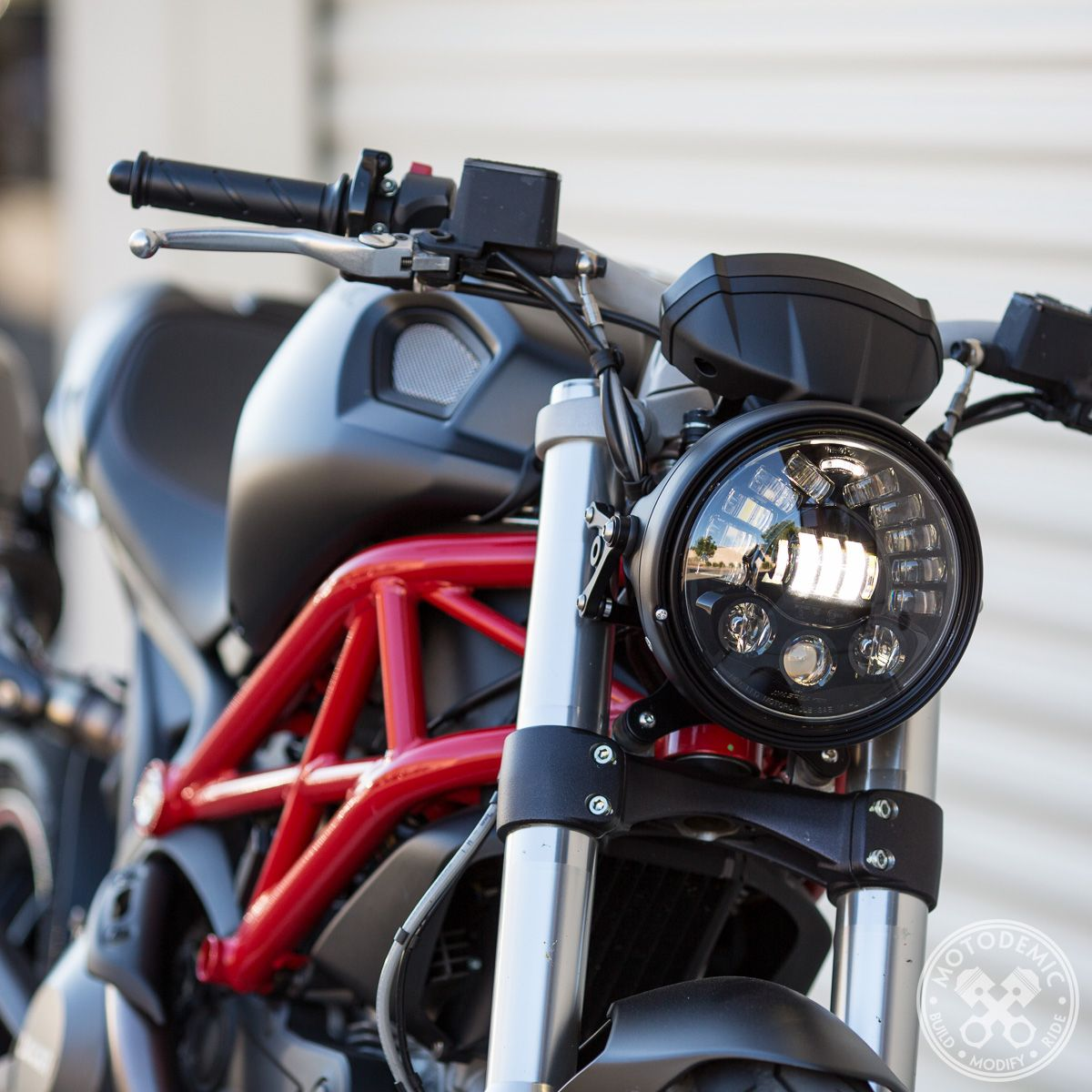 ducati monster headlight conversion 696 796 1100 motorok pinterest moto accessoire moto. Black Bedroom Furniture Sets. Home Design Ideas