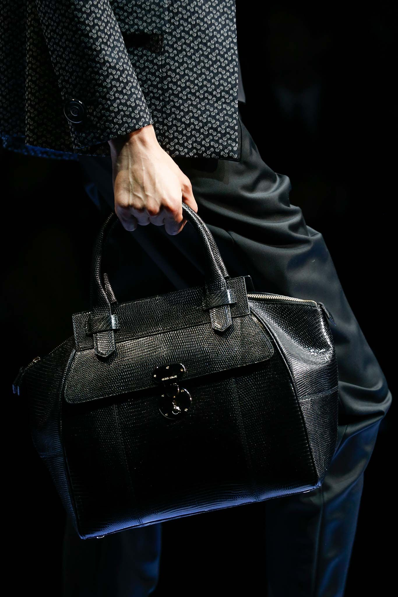 Giorgio Armani - Fall 2015 Ready-to-Wear - Look 24 of 196