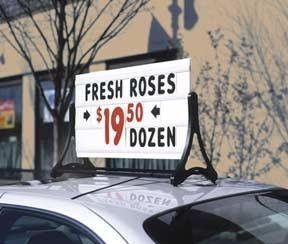 Swinging Car Roof Top Billboard Message Board Sign 2 Sided Message Board Retail Signage Top Billboard