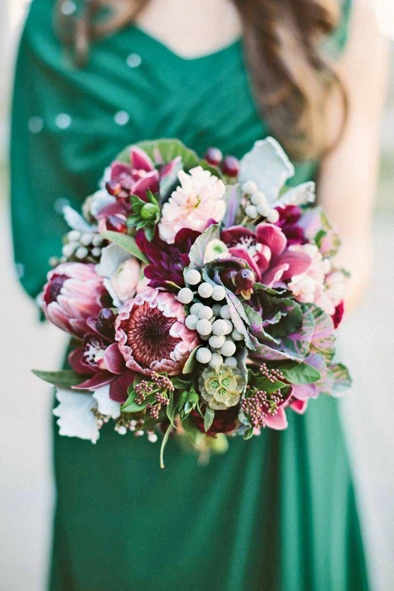 Christmas Wedding Bouquets Uk.Best Christmas Wedding Flowers Uk Brides Magazine Brides