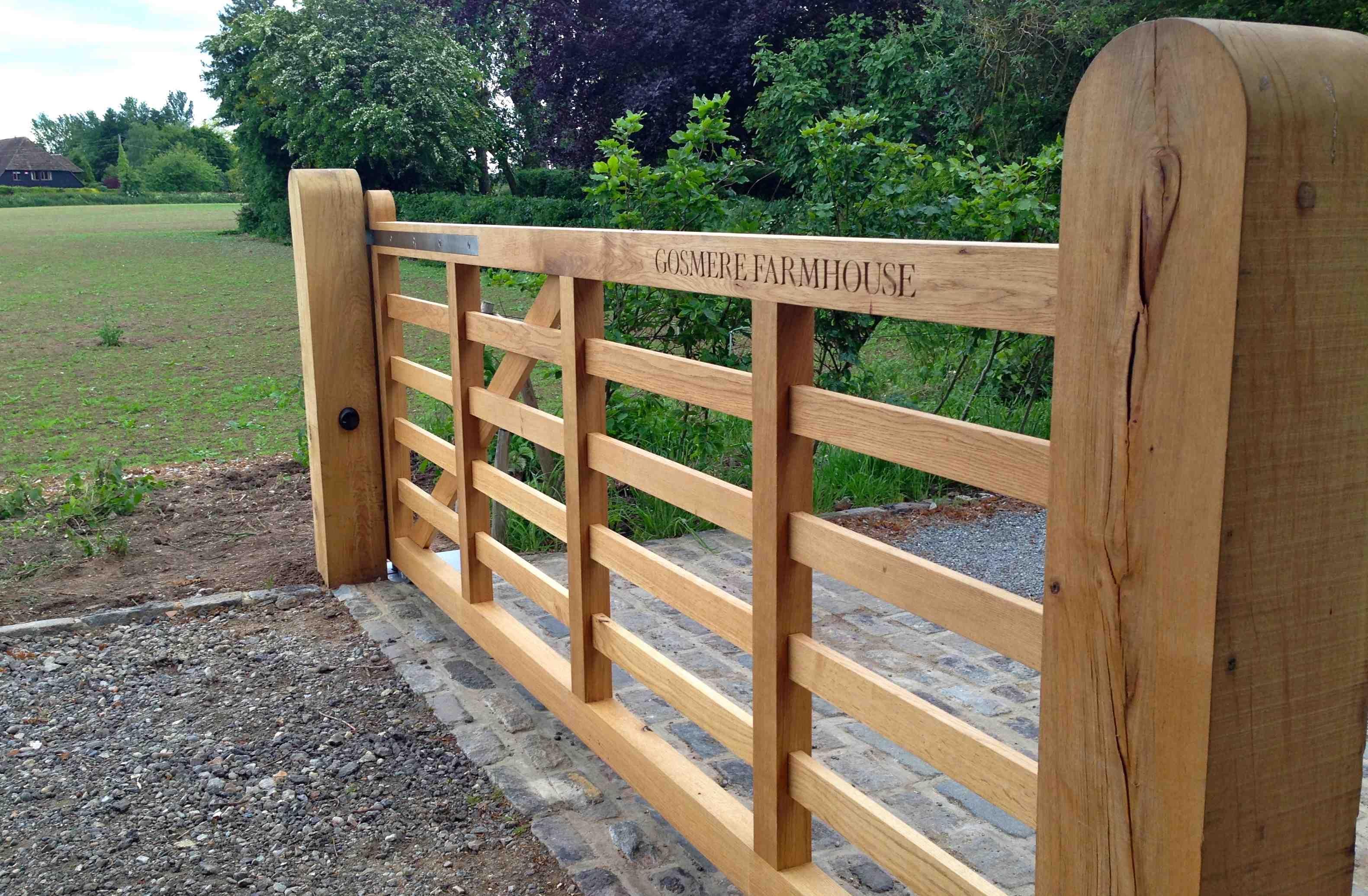 Automated Gates Installed In Faversham Kent Oakleigh Manor Wooden Gates Driveway Farm Gates Entrance Farm Gate