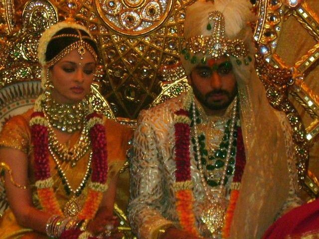 Bollywood Actresses In Kanjivaram Silk Sarees Aishwarya Rai Wedding Pictures Wedding Pics Celebrity Weddings