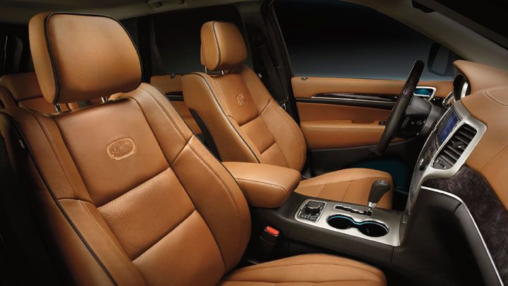 Jeep Grand Cherokee Overland Summit Features Saddle Leather