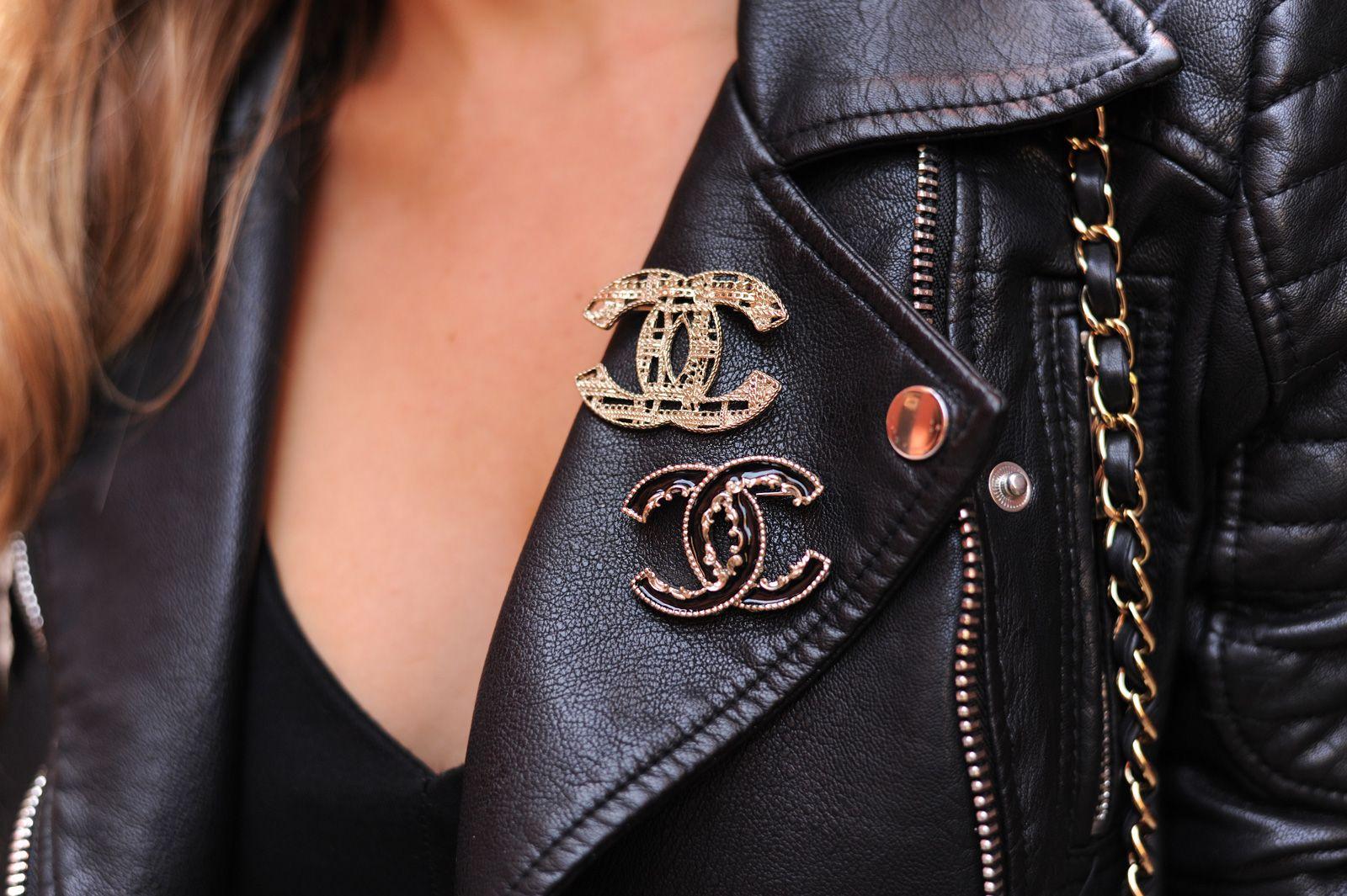 #chanel #details #vintagepins #leatherjacket