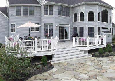 backyard deck with center stairs - Google Search | Decks | Pinterest ...