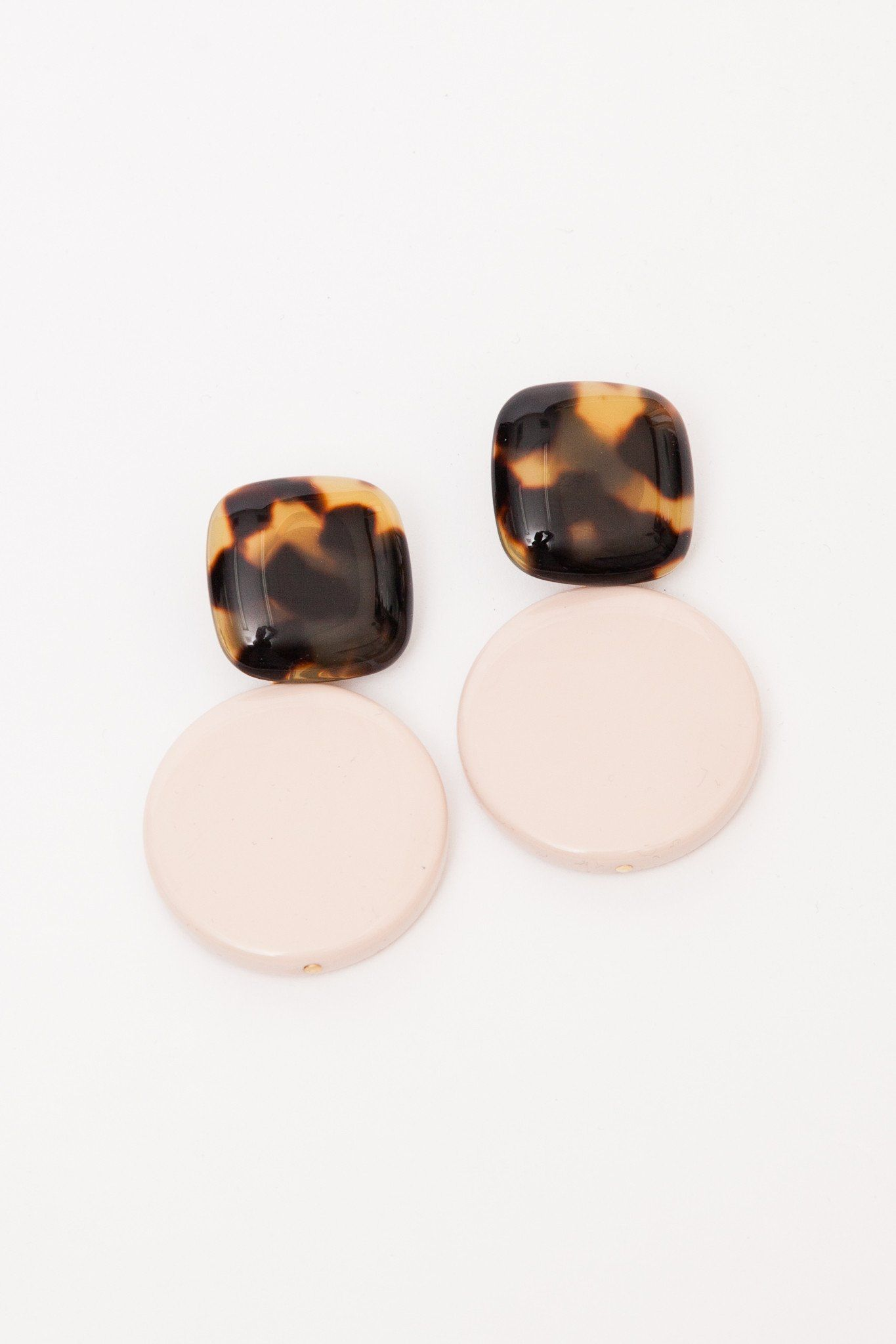 vanda earrings jacintho operandi moda tortoiseshell brown studded by large tortoise close acrylic loading