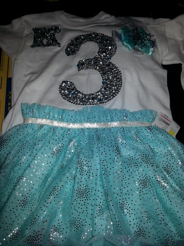 DIY:Frozen birthday theme shirts!