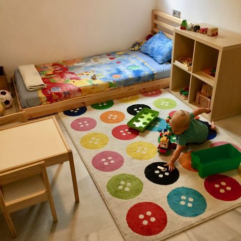 La perfecta cama montessori en ikea montessori bedrooms for Box bimbi ikea