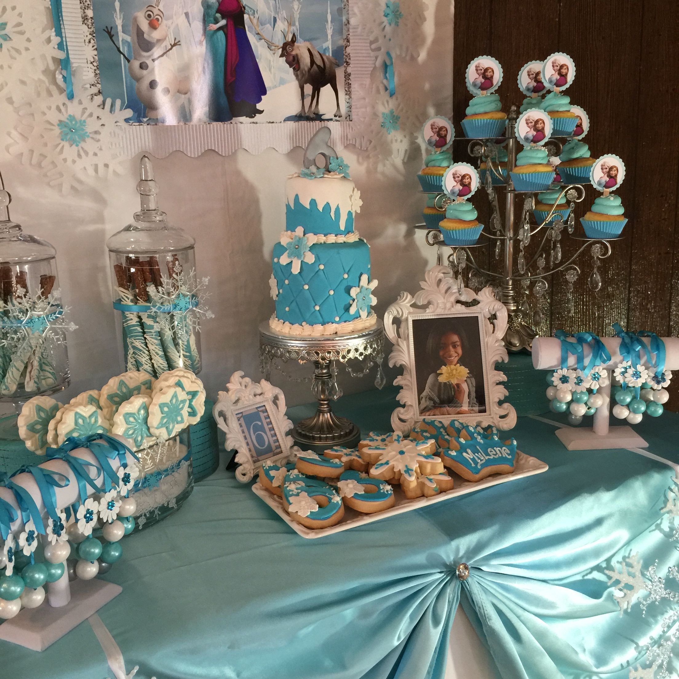 Frozen Theme Cake And Candy Table Livaysweetshop Frozen Theme Cake Frozen Candy Table Themed Cakes