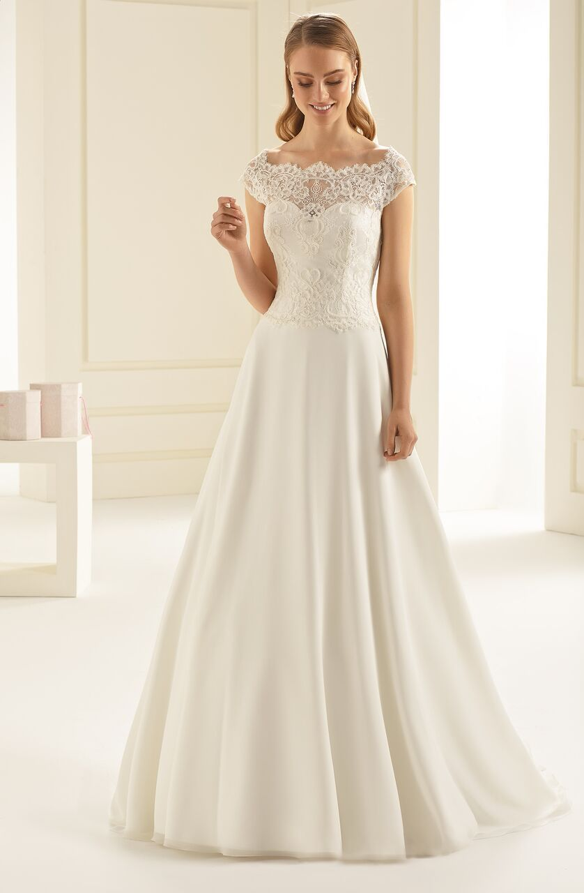 f0f3a2d851b6 Arizona – Anina Brud & Festspecialisten   Wedding gown   Pinterest