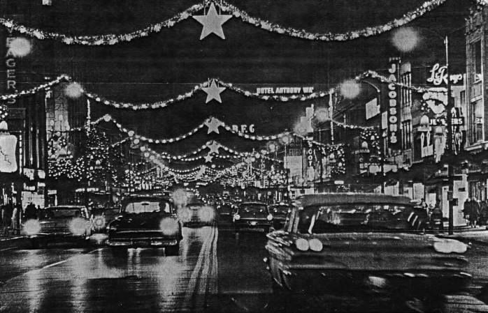 Vintage Picture Of Oneil S Store At Christmas Time Akron Oh Akron Christmas Akron Ohio Ohio History