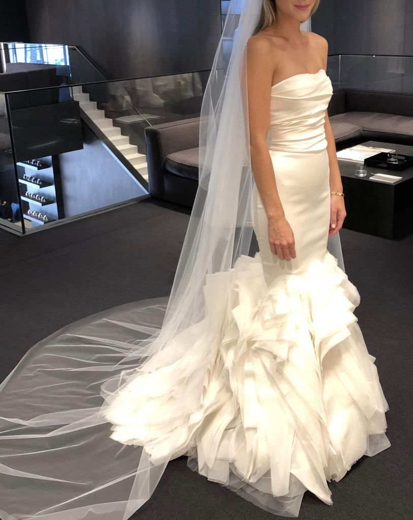 Vera Wang Ethel Ivory Wedding Dresses Vera Wang Vera Wang Wedding Gowns Silk Wedding Dress [ 1024 x 813 Pixel ]