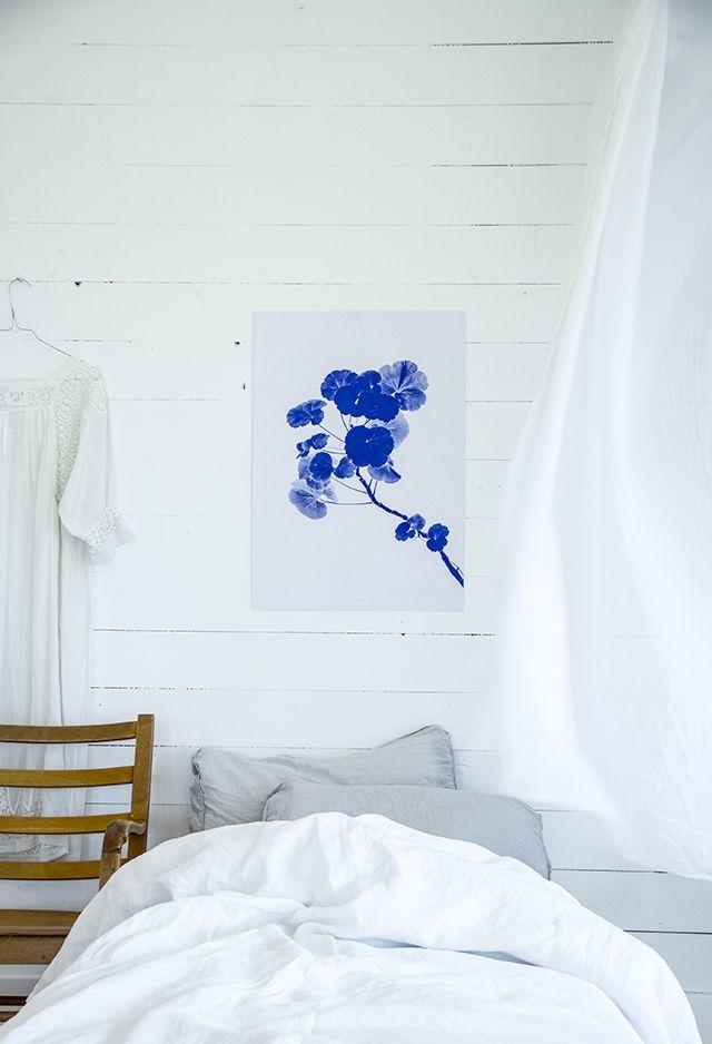 By Fryd   ( love that beautiful blue print) link for print: http://www.hysj-lundemork.com/product/blue-pelargos