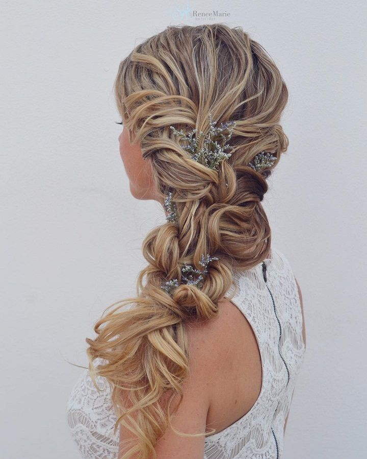 Side braid wedding hairstyle - wedding hairstyles #weddinghair #halfuphalfdown #weddinghairstyle #hairstyles