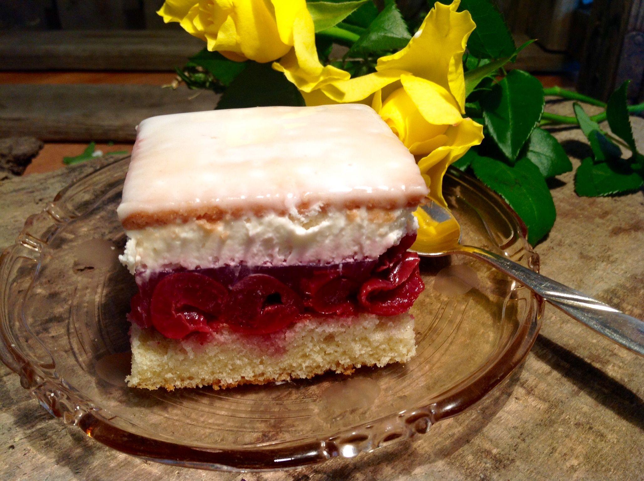 Kirsch Sahne Schnitten Aus Meinem Kuchen Und Tortenblog Kuchen Und Torten Kuchen Mit Kirschen Kuchen