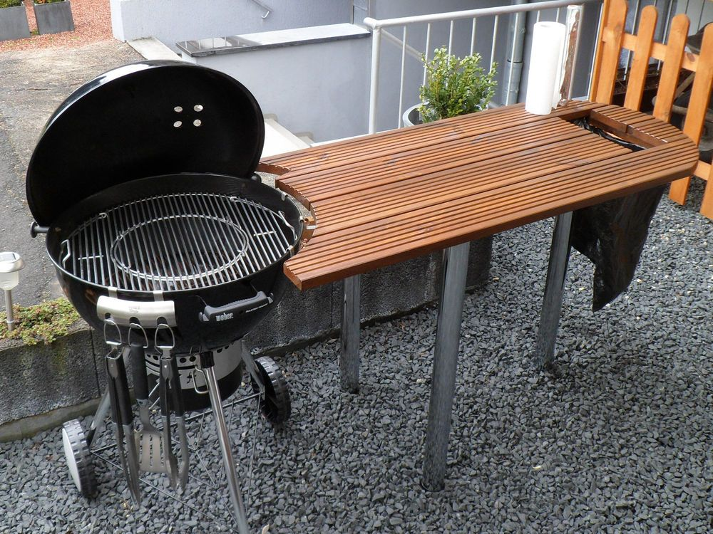 tisch f r weber grill one touch 57cm gro e arbeitsfl che in garten terrasse grills fen. Black Bedroom Furniture Sets. Home Design Ideas