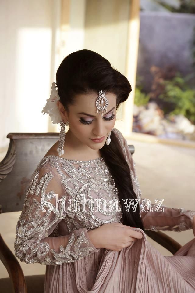 Shahna waz ;; perfect engagement outfit