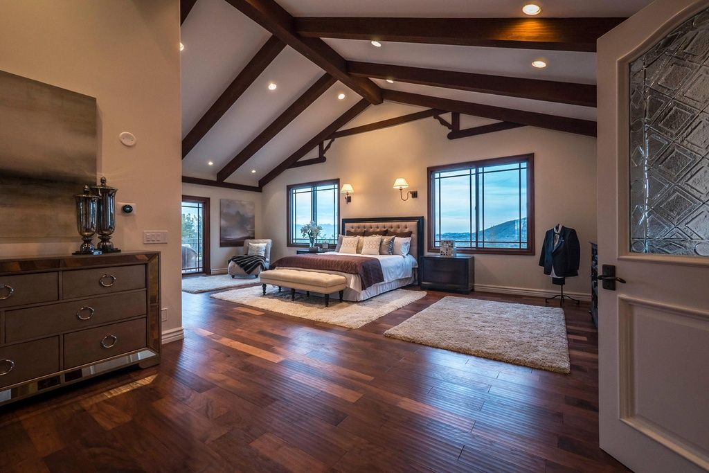 Best Craftsman Master Bedroom With Cathedral Ceiling Exposed 400 x 300