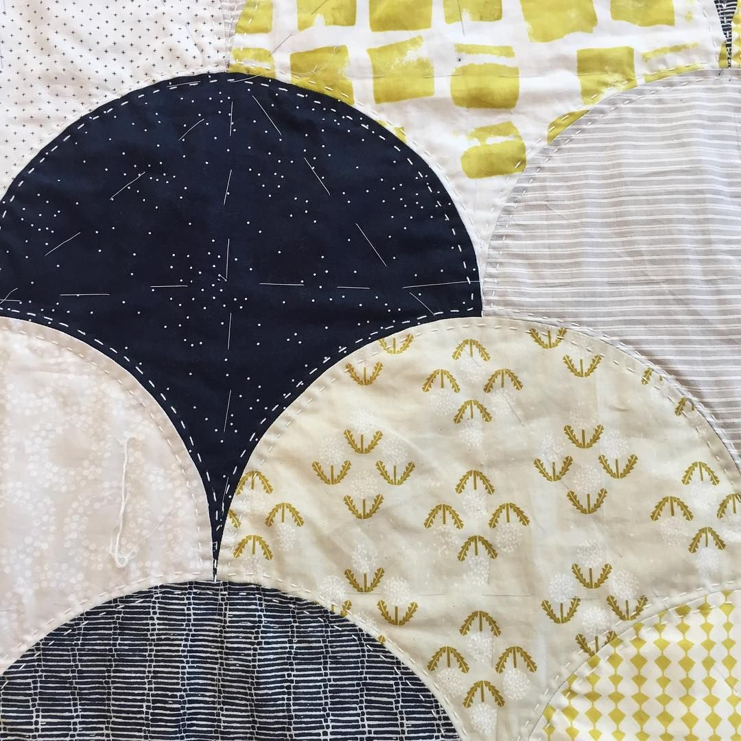 Up close and personal with our #glamclamquilt quilted top. @drygoodsdesign on instagram